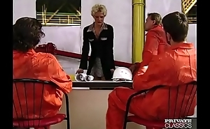Suzan Nielsen, Gangbang in the Petroleum Raft