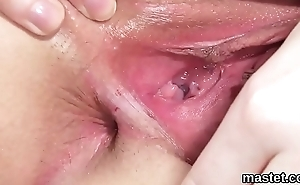 Kinky czech kitten stretches her juicy pussy to the bosom