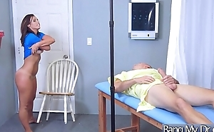 (Kelsi Monroe) Horny Patient Easy Seduced By Water down Get Nailed clip-14