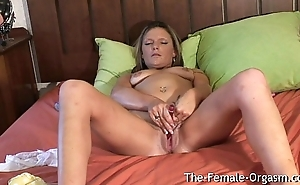 Filming Summer Masturbating Her Wet Pussy and Cumming Unchanging