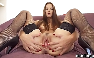 Nasty czech cookie spreads her spread cunt to the strange