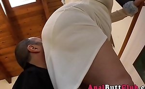 Ho rubs her booty in face