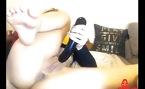 Teen Destroys her asshole with dildo