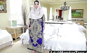 AdultMemberZone - Secluded Arab babe gives gung-ho solo masturbation show